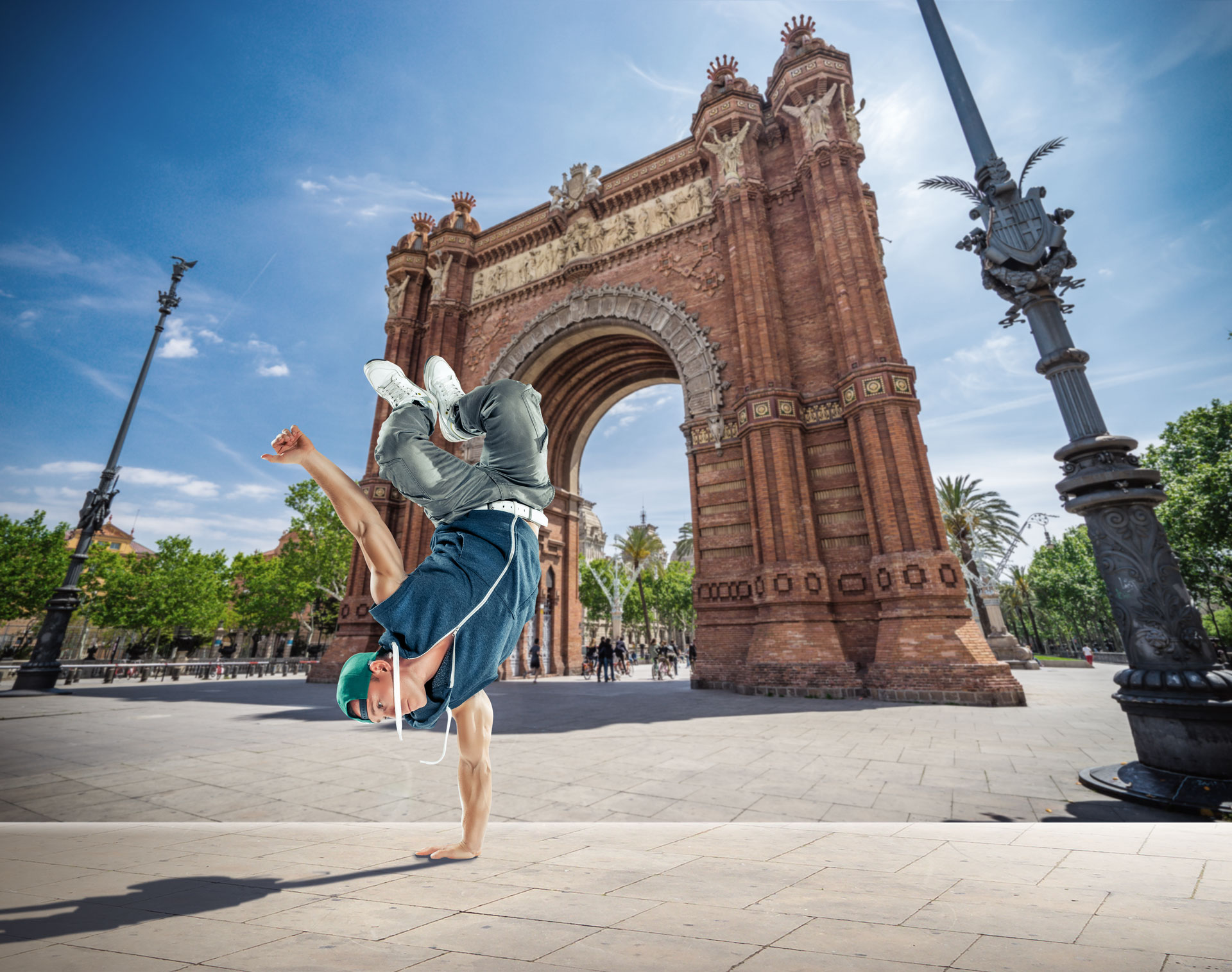 Break dancer Arc de Triomf